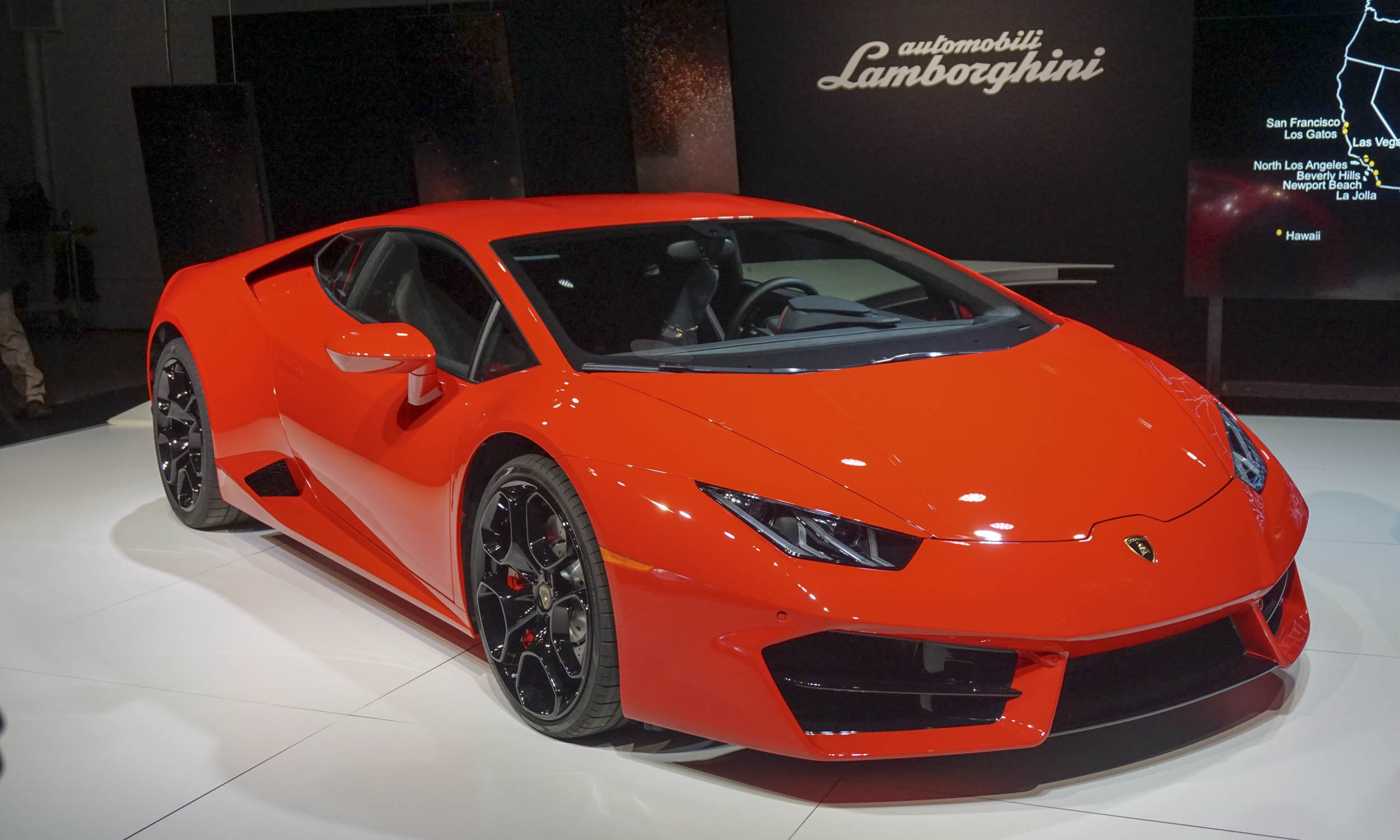 2015 l a auto show lamborghini huracan lp 580 2 automotive content experience. Black Bedroom Furniture Sets. Home Design Ideas