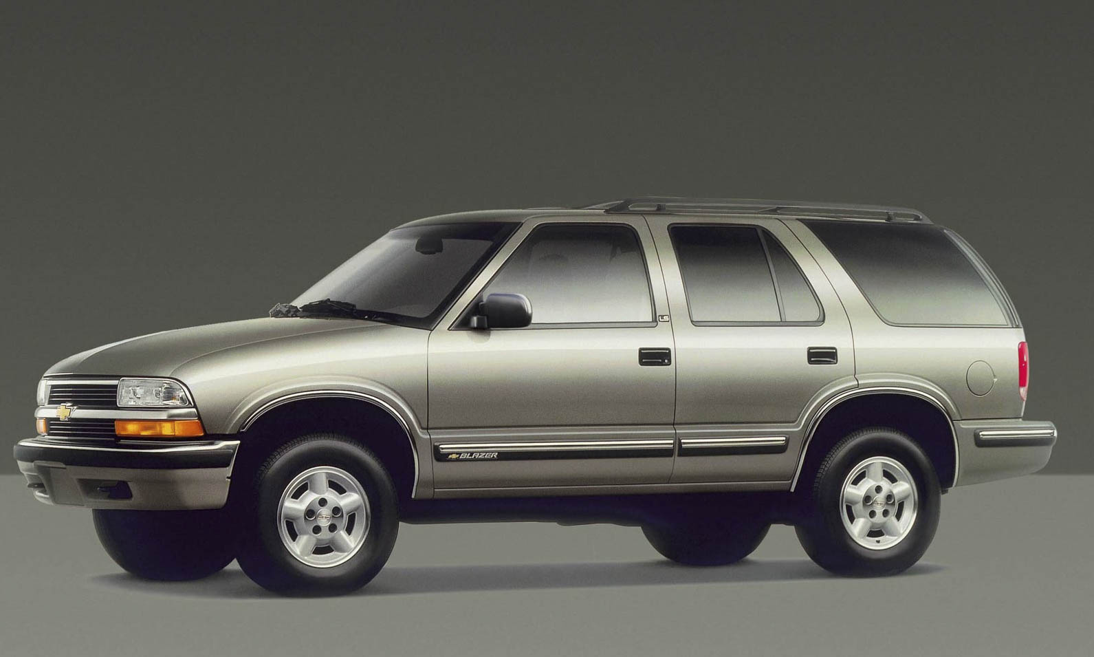 1999 Chevy Chevrolet Blazer in addition 2016 Chevrolet Silverado Z71 ...