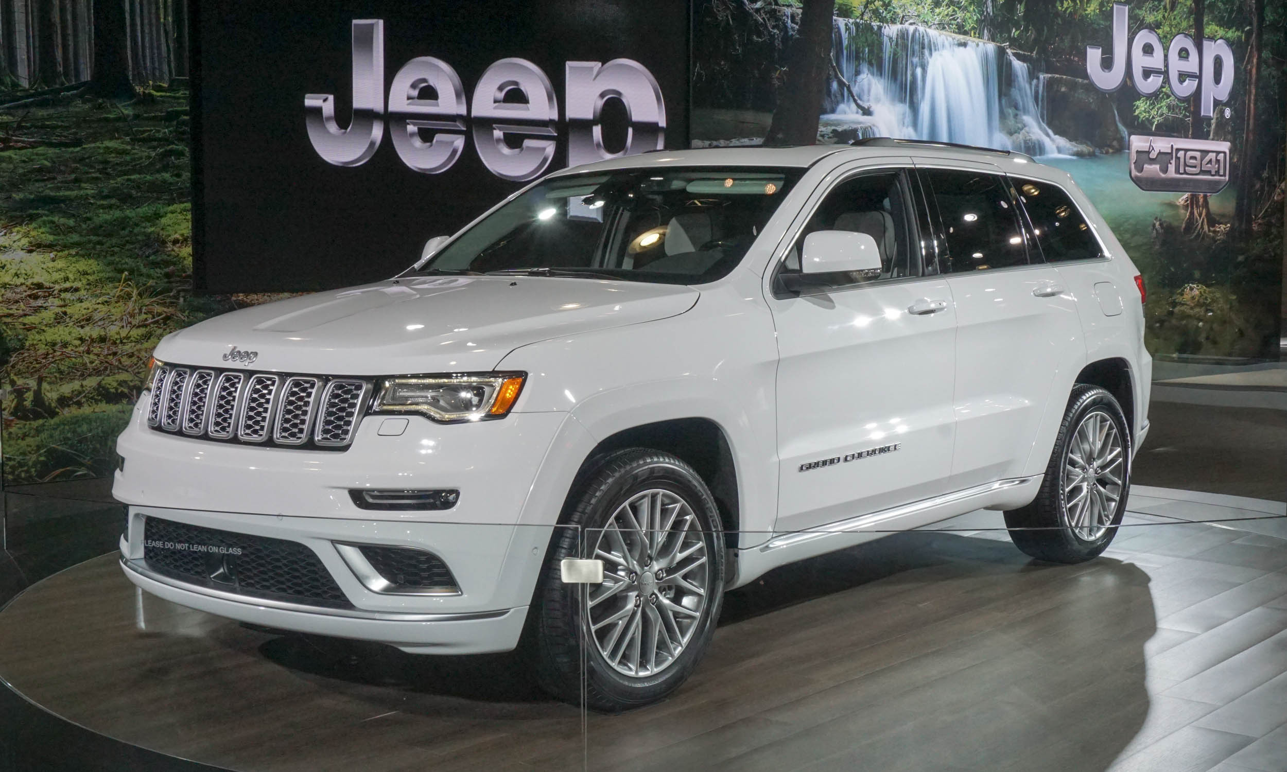 2017 jeep grand cherokee trackhawk release 2017 free engine image for user manual download. Black Bedroom Furniture Sets. Home Design Ideas