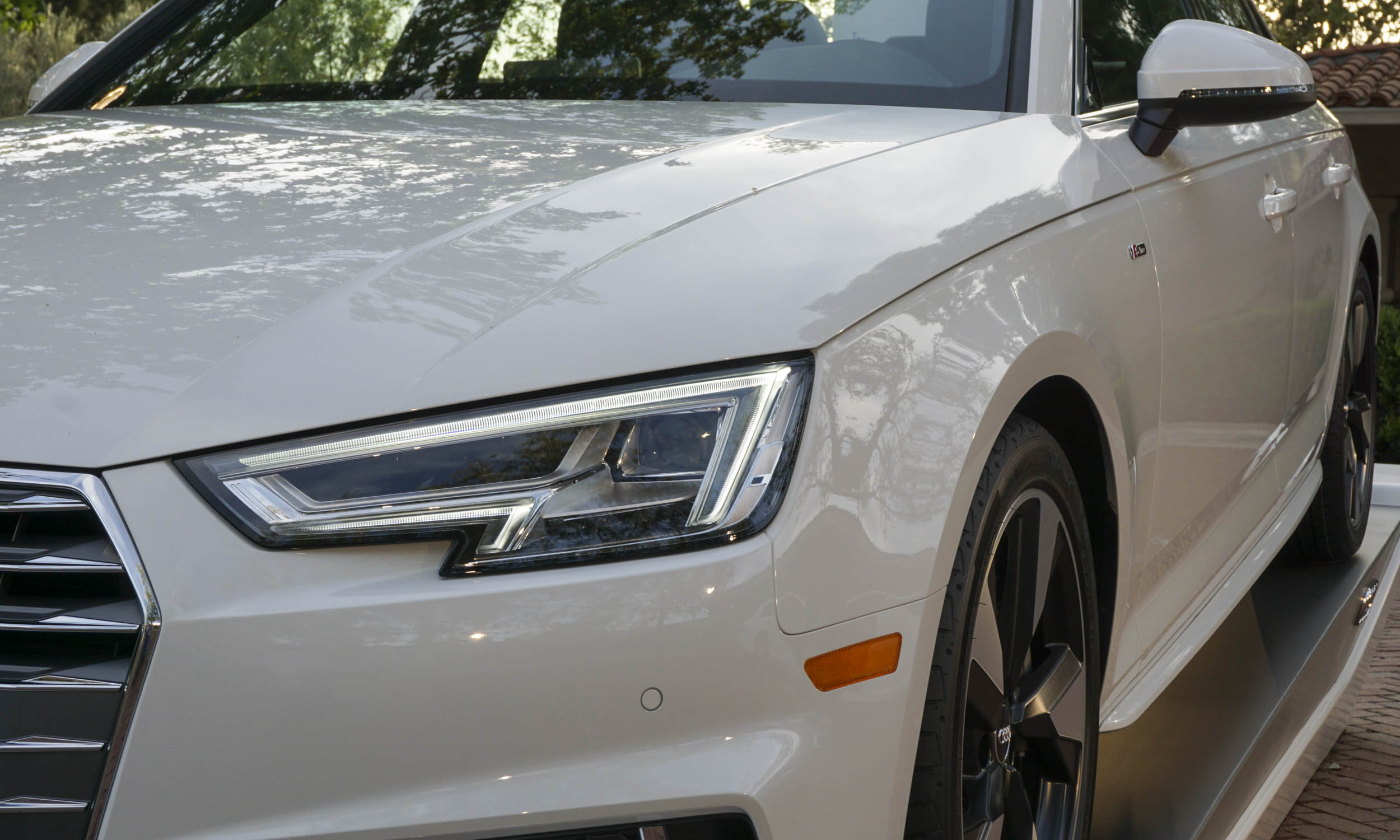 Audi A First Drive Review AutoNXT - 2018 audi a4 headlights
