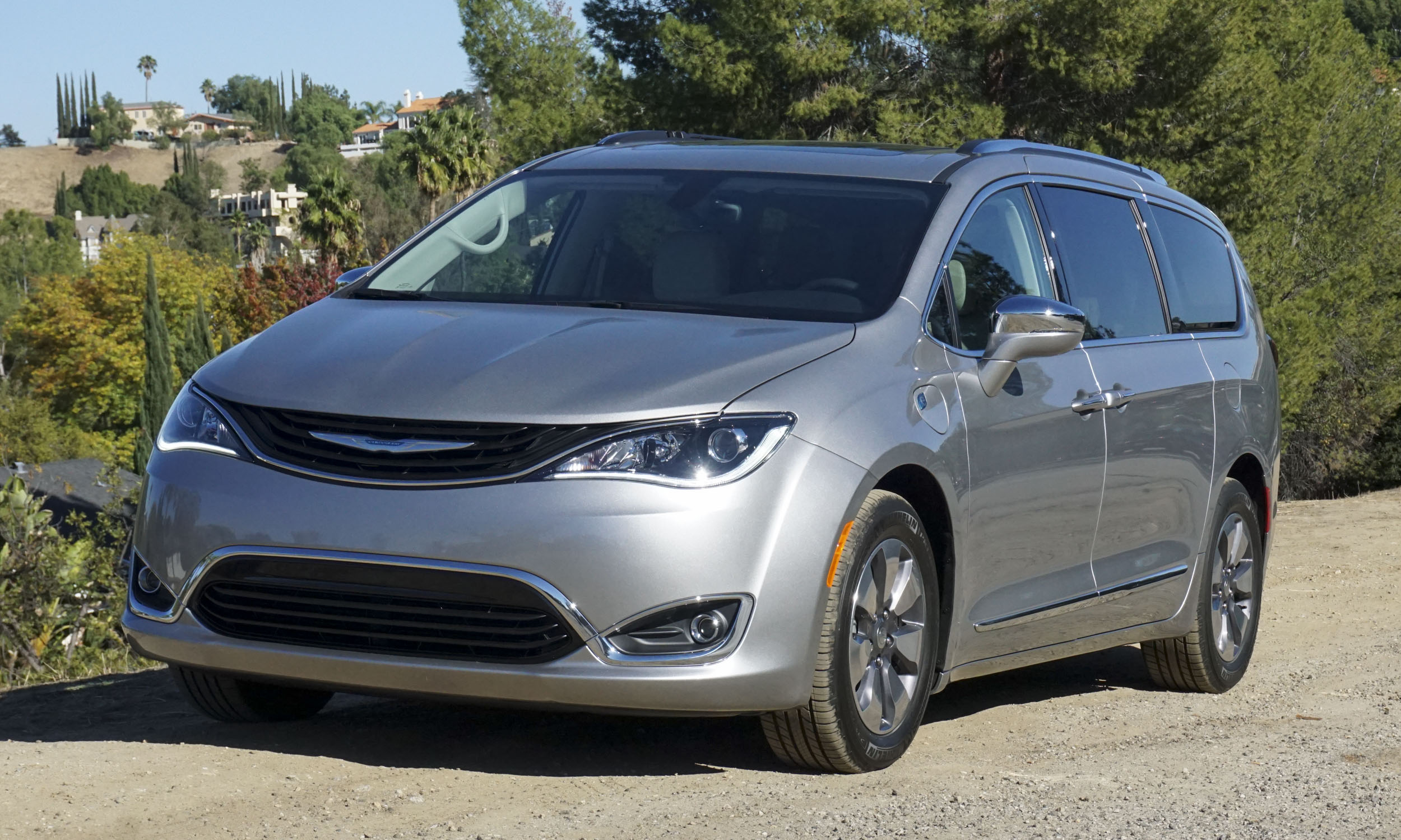 2017 Chrysler Pacifica Hybrid First Drive Review