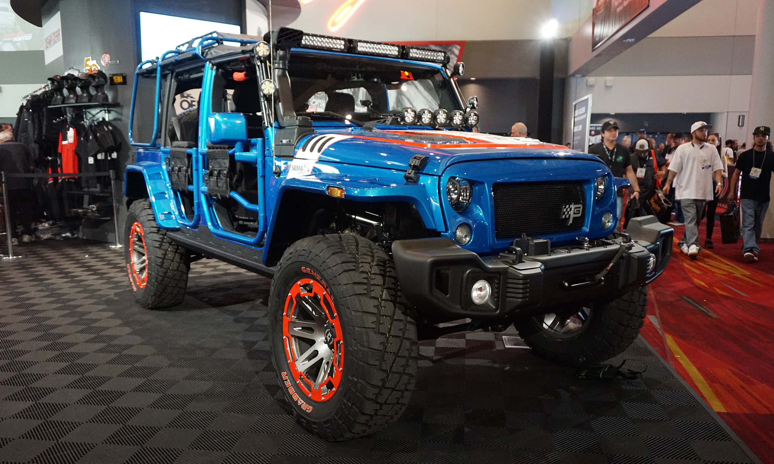 Sema 2016 jeep roots run deep at vegas show autonxt for Chicago motor cars las vegas